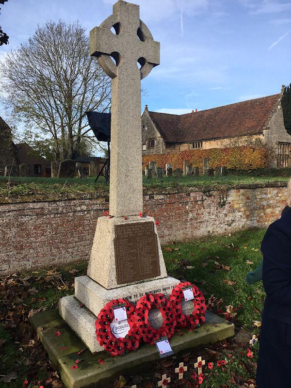Harbury War Memorial in Crown Street